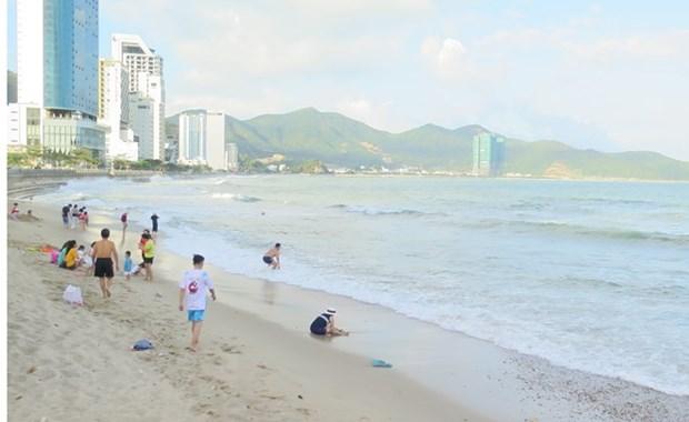 Two Russians drown at Nha Trang beach hinh anh 1