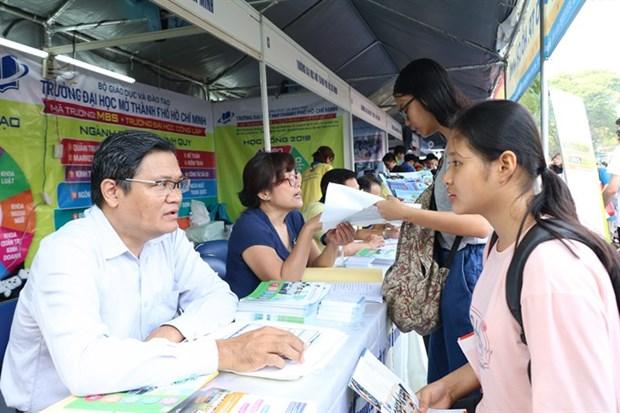 Universities launch new majors to meet digitalisation demands hinh anh 1