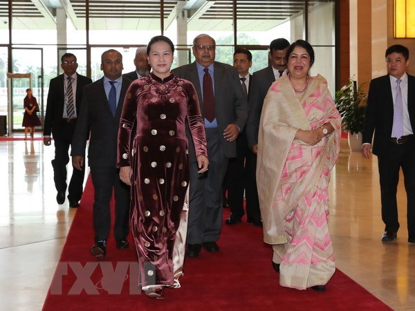 Vietnam sends congratulations to Bangladeshi parliament speaker hinh anh 1