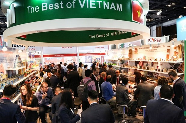 Vietnamese firms join world's largest food, beverage fair in UAE hinh anh 1