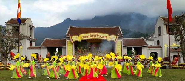 Yen Tu Spring Festival opens, luring thousands of visitors hinh anh 1