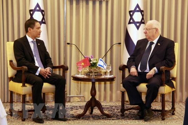 Vietnamese ambassador presents credentials to Israeli President hinh anh 1