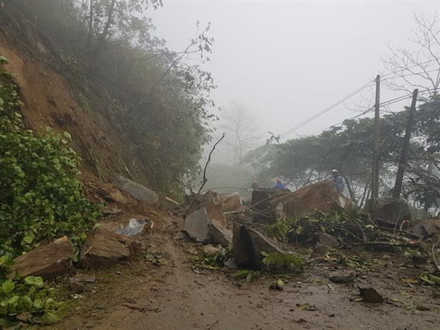 Over 10,200 areas in Vietnam face landslide threats hinh anh 1