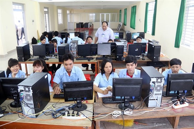 Decree sets requirements for foreign-invested vocational institutions hinh anh 1