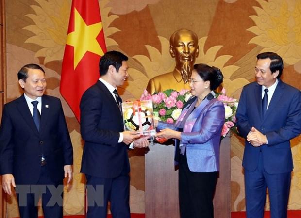 Top legislator praises enterprise for social contributions hinh anh 1
