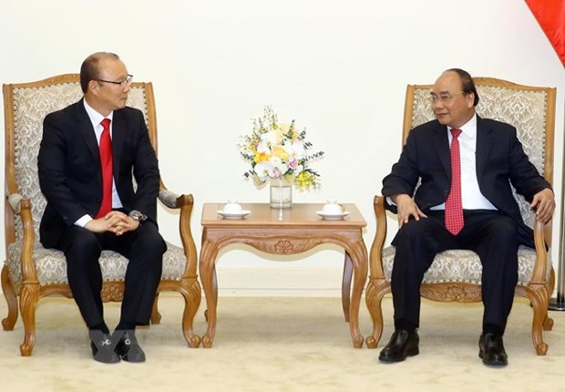 Prime Minister hosts men's football coach Park Hang-seo hinh anh 1