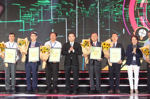 Awards recognise Vietnamese firms with high-quality products hinh anh 1