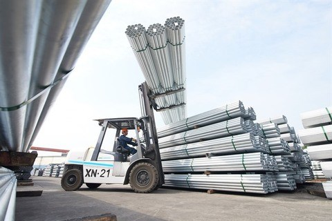 Hoa Phat exports steel pipe to India for first time hinh anh 1
