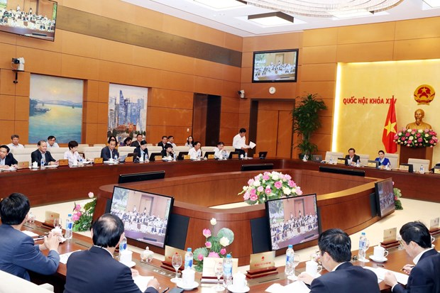 Controversial issues on public investment, tax management scrutinised hinh anh 1