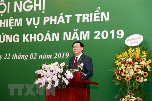 Vietnam's stock market hoped to equal total GDP in 2020 hinh anh 1