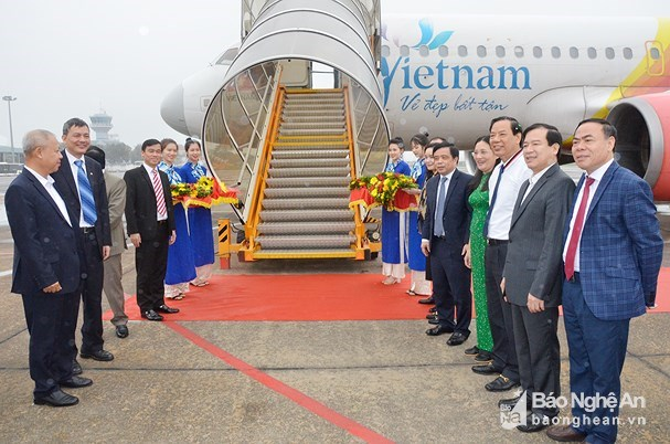 New int'l air route linking central city, Bangkok opened hinh anh 1