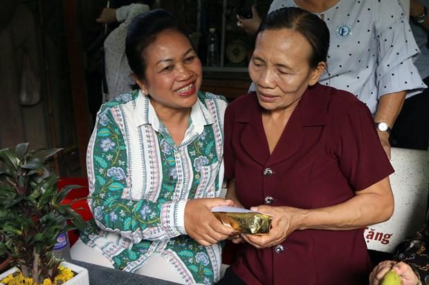 Cambodian delegation visits former volunteer Vietnamese soldier hinh anh 1