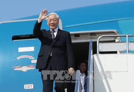 Top Vietnamese leader leaves Hanoi for visits to Laos, Cambodia hinh anh 1