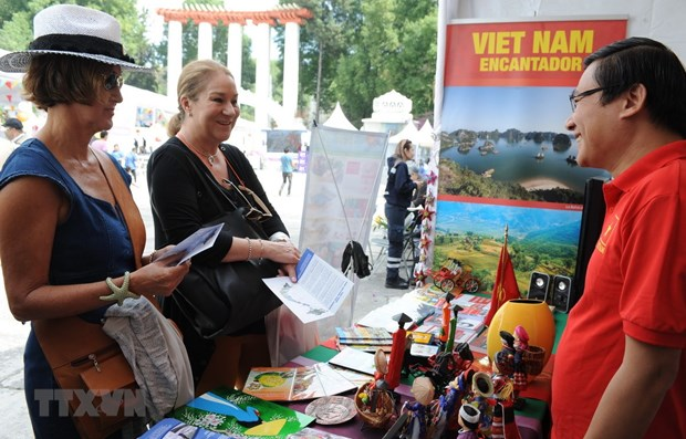 Vietnam's images promoted at culture festival in Mexico hinh anh 1