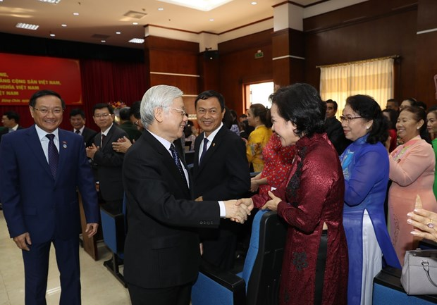 Top leader meets Vietnamese expatriates in Laos hinh anh 1