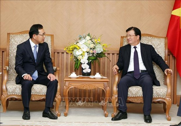 Deputy PM receives Samsung Vietnam's new director hinh anh 1