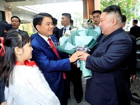 DPRK Chairman Kim Jong-un arrives in Hanoi hinh anh 1