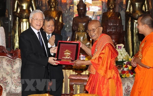Vietnamese leader hails Cambodian Buddhists' contributions to relations hinh anh 1