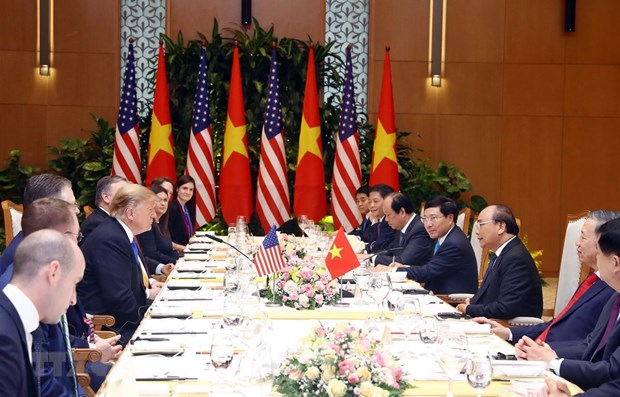 PM Phuc meets US President Trump in Hanoi hinh anh 1
