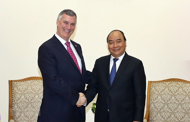 Prime Minister welcomes Boeing, HSBC leaders hinh anh 1