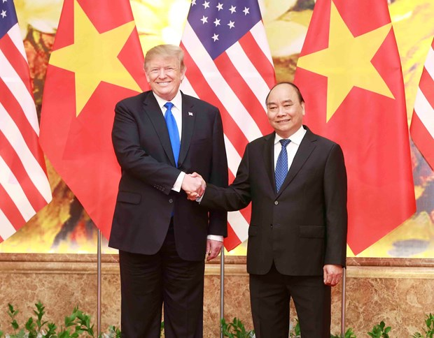 PM Phuc, President Trump applaud strides in Vietnam-US relations hinh anh 1