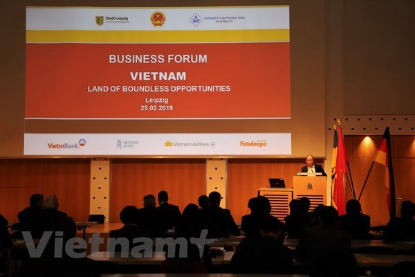 Vietnam-Germany trade, investment forum held in Leipzig hinh anh 1