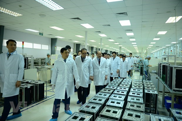 DPRK officials visit Viettel's research, production complex hinh anh 1
