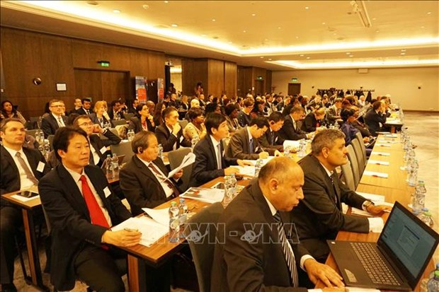 Vietnam attends int'l public sector conference in Czech hinh anh 1