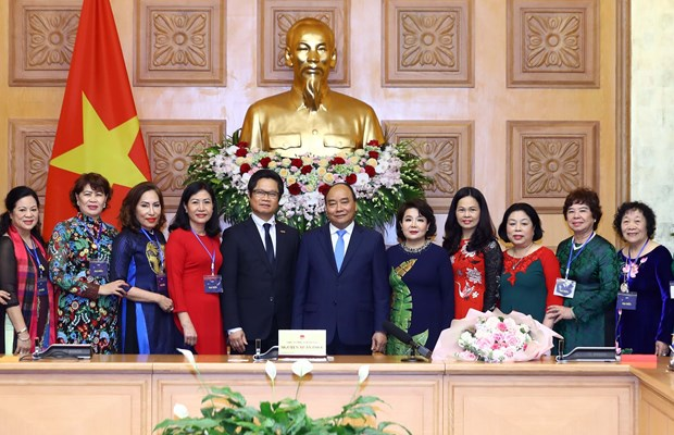 PM hails women entrepreneurs' role in national development hinh anh 1