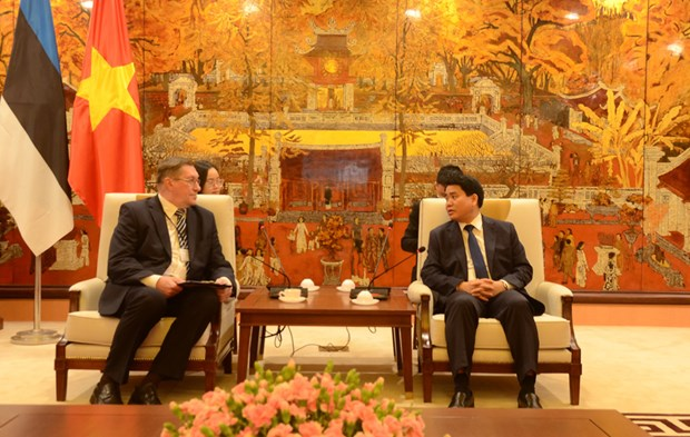 Hanoi wishes to cooperate with Estonia in smart city building hinh anh 1