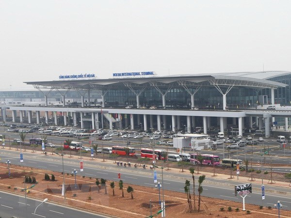 Nearly 5,000 flights delayed, cancelled in two months hinh anh 1