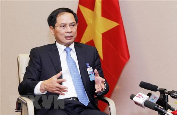PM's special envoy visits France hinh anh 1