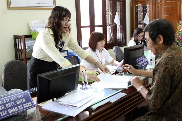 Government orders cutting 10 percent of regular budget spending hinh anh 1