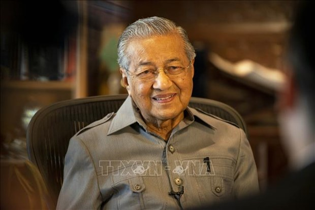 Malaysian PM visits Philippines to boost bilateral ties hinh anh 1