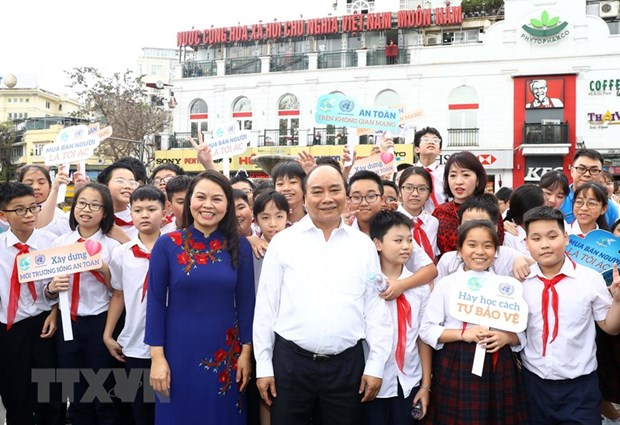 Prime Minister directs ensuring safety for women, children hinh anh 1