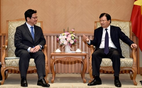Deputy PM receives leader of Japan bank for international cooperation hinh anh 1