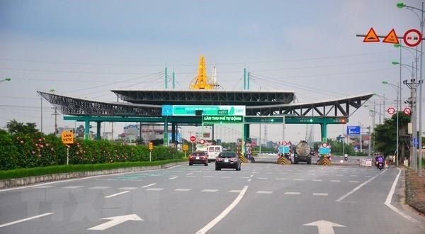 Toll road operators asked to install ETC systems before year-end hinh anh 1