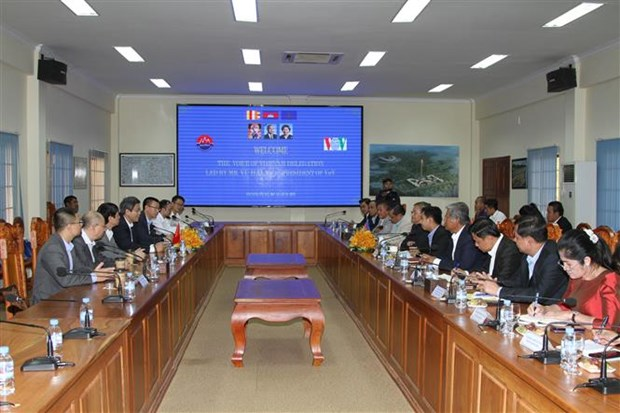 Vietnam, Cambodia forge cooperation in communications hinh anh 1