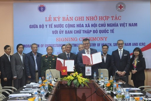 Health Ministry, ICRC partner in disaster, calamity response hinh anh 1