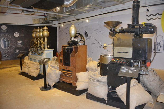 Exhibition tells history of world's coffee industry hinh anh 1
