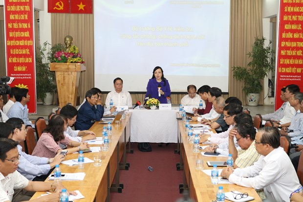 HCM City requested to double efforts to prevent measles hinh anh 1
