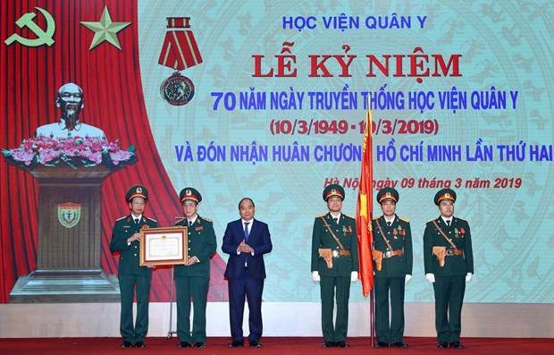 Vietnam Military Medical University honoured with Ho Chi Minh Order hinh anh 1