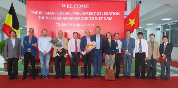 Belgium wishes to cooperate with Can Tho University hinh anh 1