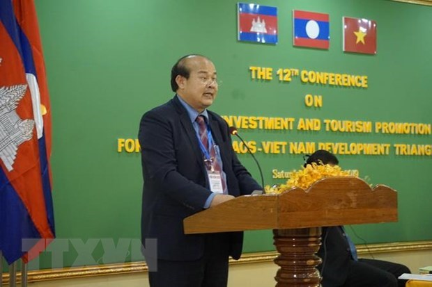 Cambodia, Laos, VN work to remove obstacles to cross-border trade hinh anh 1
