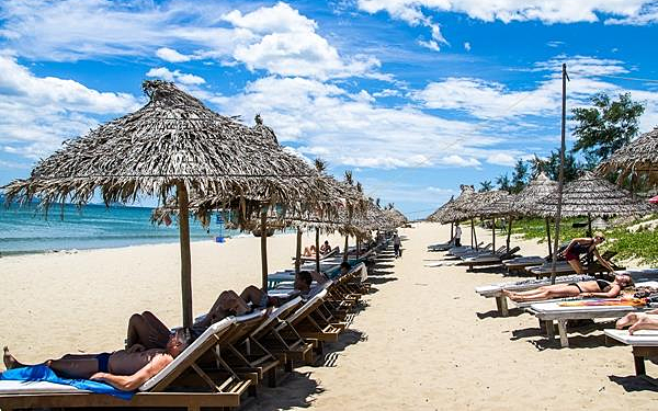 An Bang beach again voted among beautiful beaches in Asia hinh anh 1