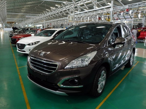 Vietnam imports over 14,000 cars in February hinh anh 1