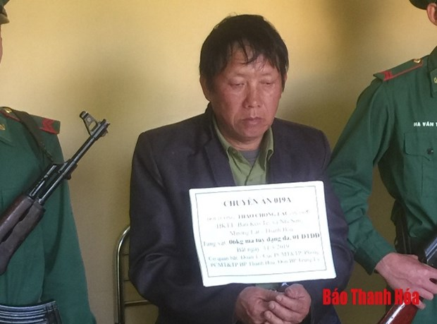Thanh Hoa border guards arrest drug trafficker hinh anh 1