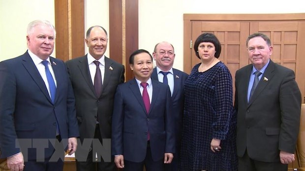 Vietnam embassy boosts cooperation with Russian parliamentarians hinh anh 1