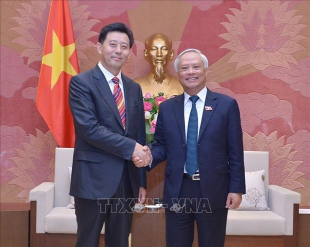 NA Vice Chairman receives Chinese guests hinh anh 1