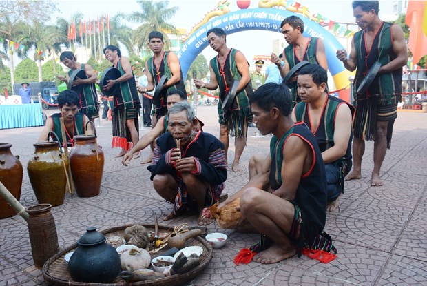 Festivals feature unique culture of ethnic people in Dak Lak hinh anh 2